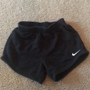Size 5 girls black cotton Nike shorts